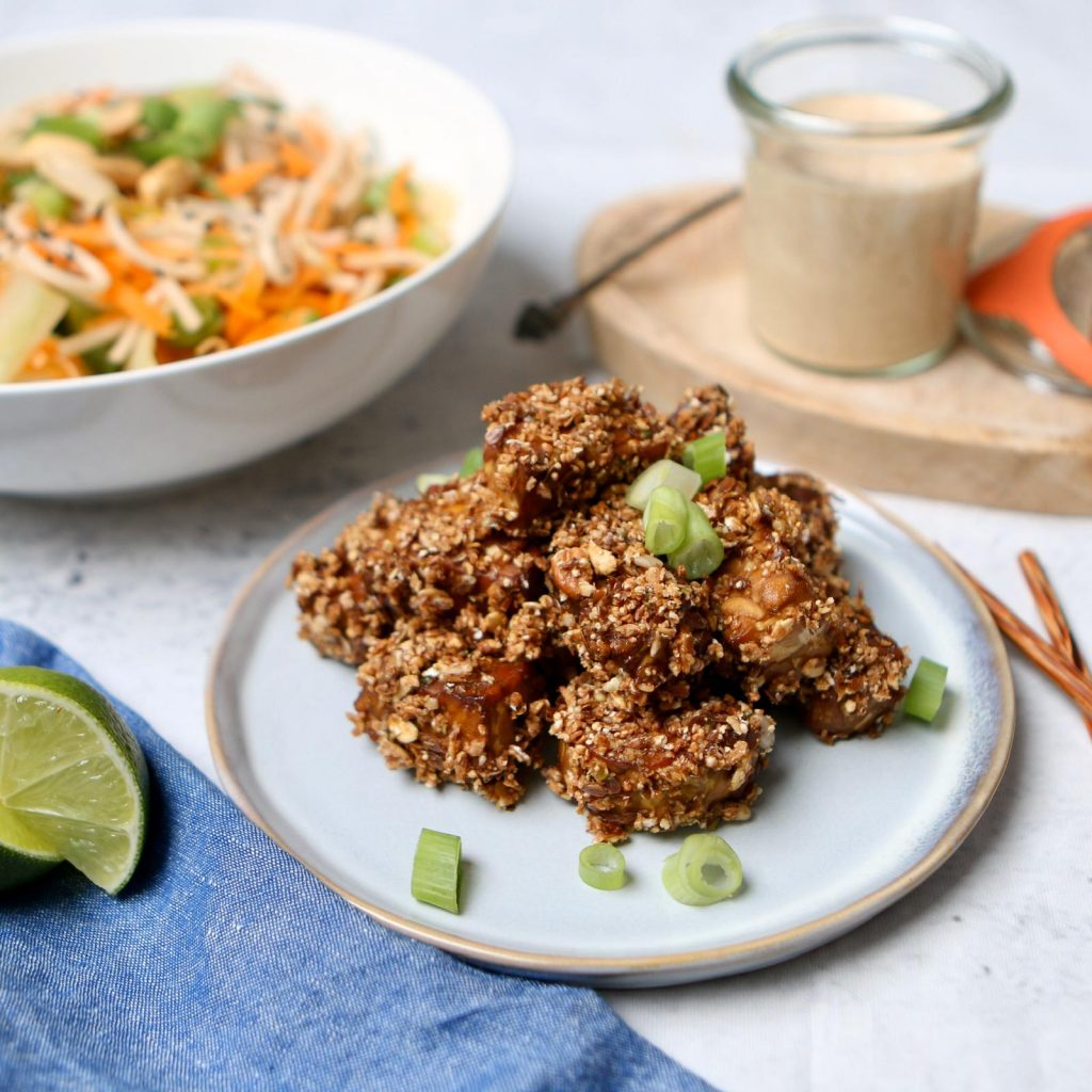 Noodle salad with tempeh granola
